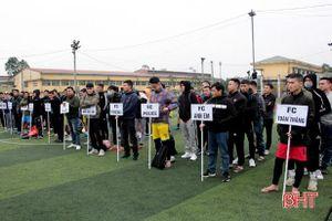 16 đội bóng đá phong trào tham gia giải từ thiện tranh Cúp Bằng Sport