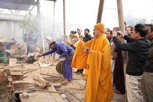 Hải Phòng: Rót đồng đúc đại hồng chung tại chùa Kim Quang