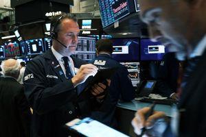 Giao dịch chứng khoán khối ngoại ngày 5/1: Ồ ạt mua bluechip, trở lại mua ròng 515 tỷ đồng