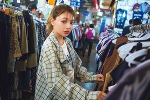 Không có thu nhập, giới trẻ Nhật Bản chỉ dám mua đồ cũ