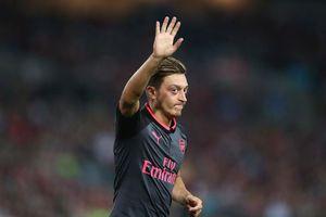 Sốt dẻo Mesut Ozil dứt áo chia tay Arsenal