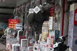 Thị trường thiết bị sưởi ấm 'hốt bạc' khi miền Bắc rét đậm kéo dài