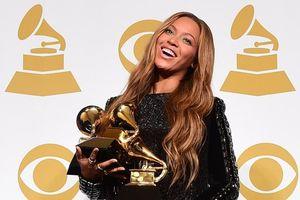 Grammy hoãn tổ chức vì COVID-19