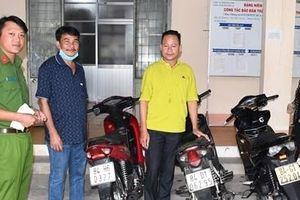 Công an huyện Trà Cú trao trả 5 xe máy bị mất trộm cho người dân