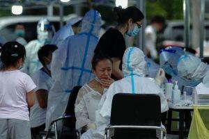 Trung Quốc thắt chặt các biện pháp phòng COVID-19 gần Bắc Kinh