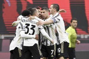 Juventus chấm dứt mạch 27 trận bất bại của AC Milan