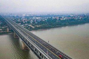 Xe buýt, ô tô di chuyển thế nào khi thông xe cầu Thăng Long?