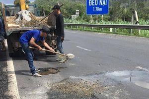 Gấp rút sửa mặt đường QL1 đoạn qua Phú Yên