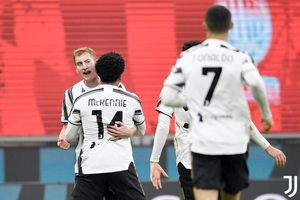 Chiesa che mờ Ronaldo, Juventus vùi dập Milan