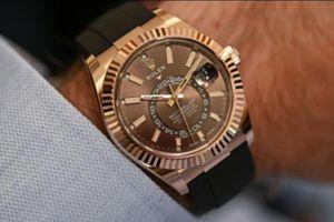 Năm mẫu đồng hồ sang trọng có giá hơn 10.000 USD