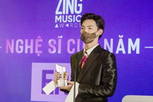 Erik lên tục được vinh danh ở Zing Music Awards