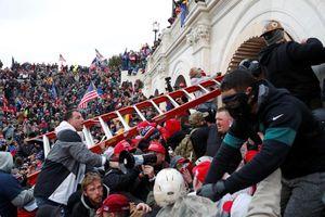 Vì sao Phố Wall phớt lờ bạo loạn ở tòa nhà Quốc hội Mỹ?