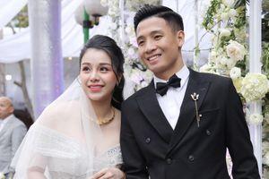 Vợ Bùi Tiến Dũng mặc váy 800 triệu đồng trong đám cưới