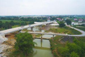 Những cây cầu mở ra cơ hội phát triển