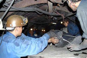 Công nhân công ty than Khe Chàm bị đá rơi đè tử vong