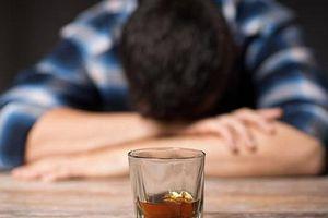 Ngộ độc rượu nặng, thanh niên 29 tuổi ở Hưng Yên tử vong