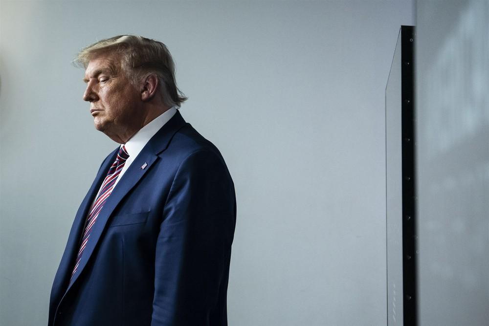 Báo Mỹ: Ông Trump cân nhắc tự ân xá cho chính mình