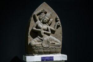 Chiêm ngưỡng vẻ đẹp phù điêu nữ thần Sarasvati vừa được công nhận Bảo vật Quốc gia
