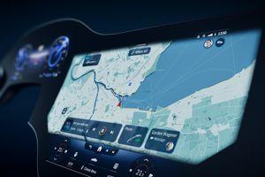 Mercedes-Benz ra mắt màn hình AI tùy chỉnh 'Hyperscreen' 56 inch cho xe điện EQS