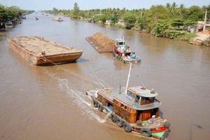Cấm luồng sông Vàm Cỏ Đông, hạn chế lưu thông trên nhiều tuyến khác
