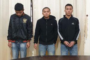 Bị 3 đối tượng cướp giật, thiếu nữ bị kéo lê gần 30m