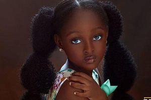 Cô bé châu Phi đẹp nhất thế giới thay đổi sau 2 năm, nhìn mẹ mới hiểu: Là di truyền