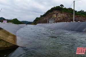 Kênh bị vỡ đã thông dòng, đang ổn định cấp nước sản xuất