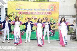 Tổng duyệt chương trình nghệ thuật Ngàn hoa dâng Đảng