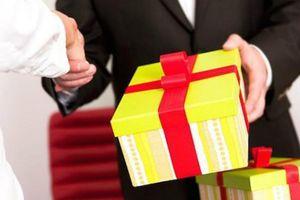 TP.HCM nghiêm cấm biếu, tặng quà Tết cho lãnh đạo các cấp