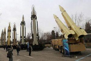 Tên lửa Iran có thể hạ gục mọi máy bay Mỹ?
