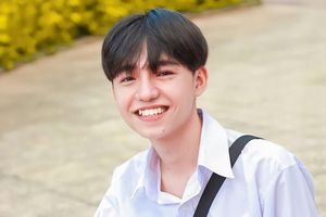 Hot Tiktok Tân Hạc: Nam sinh tài năng với nụ cười tỏa nắng và động lực sống tích cực