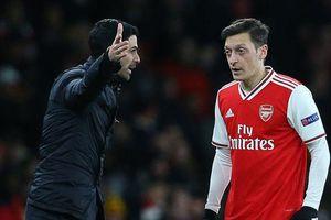 Arsenal phải 'đền' hơn 7 triệu bảng để tiễn Mesut Ozil