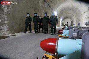 Iran 'khoe' căn cứ tên lửa ngầm trên bờ Vịnh Ba Tư