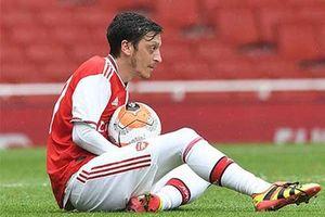 Oezil đòi nhận đủ 7,2 triệu bảng mới chịu rời Arsenal