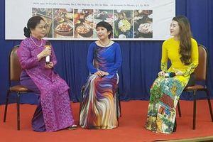 Sách 'Hoài niệm mứt Tết' và chuyện của những chuyên gia ẩm thực Huế