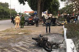 Hải Dương: Nam thanh niên tự đốt xe máy sau khi bị CSGT xử phạt