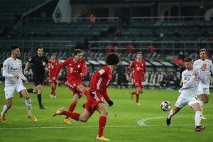 M'Gladbach 3-2 Bayern: Hùm xám bị ngược dòng đau đớn