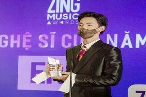 Erik 'bội thu' ở Zing Music Awards 2020