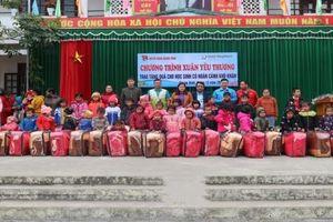 GNI tặng chăn, đệm cho học sinh khó khăn tại tỉnh Hà Giang