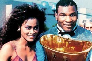 Mike Tyson từng mua bồn tắm bằng vàng trị giá 2,2 triệu USD