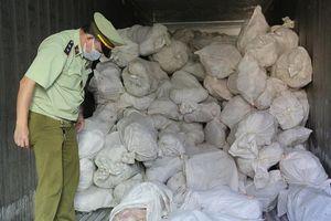 Phát hiện 16 tấn gia cầm bốc mùi chờ tiêu thụ