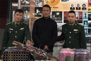 Xử phạt vi phạm hành chính đối tượng bắn pháo hoa nổ trên bãi biển Thuận An
