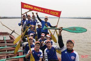 Sôi động lễ hội đua thuyền của người dân ven đô TP Hà Tĩnh
