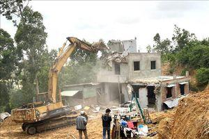 Xử lý xây dựng trái phép ở Khu kinh tế Nhơn Hội: 'Trên nóng - dưới nguội'