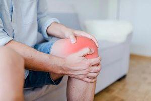 Sai lầm khiến bệnh xương khớp nặng hơn trong mùa đông