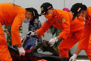 Bắt được tín hiệu nghi từ hộp đen trên máy bay gặp nạn tại Indonesia, nguyên nhân tai nạn sắp được hé lộ