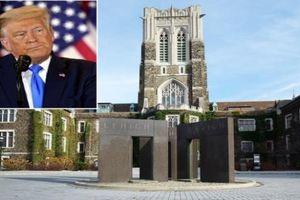 Vì sao trường đại học Mỹ tức tốc tước bằng danh dự của ông Trump?