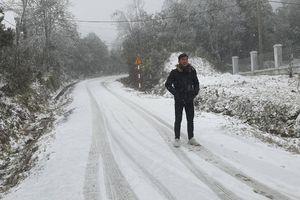 Du khách khoe ảnh băng tuyết ở Sa Pa, Ô Quy Hồ