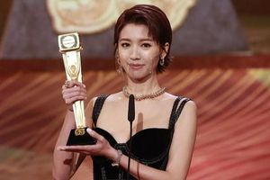 Á hậu Thái Tư Bối gây tranh cãi khi đoạt giải Thị hậu TVB 2020