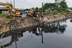 Người dân lo 'mất Tết' vì sống cạnh hồ điều tiết quanh năm ô nhiễm ở Đà Nẵng
